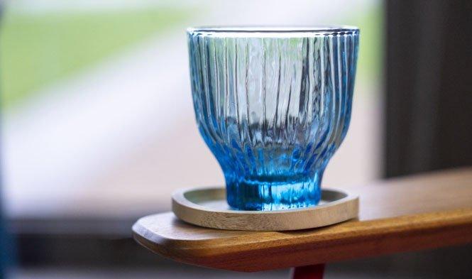 glas blauw mond geblazen