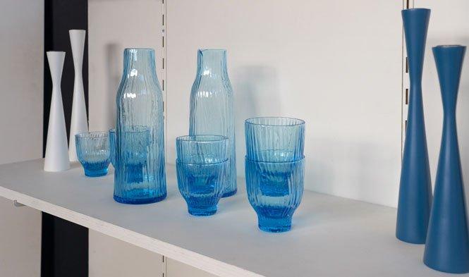 blauw glas kandelaars wit