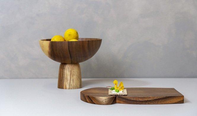bowl pedestal and mushroom cuttingboard