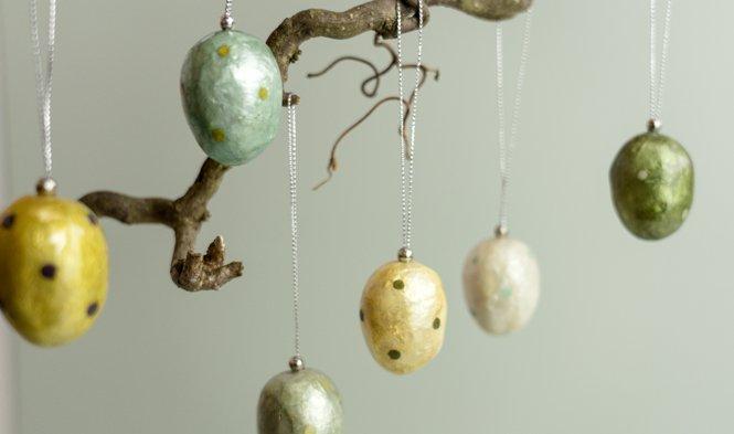 eieren met stippen decoratie