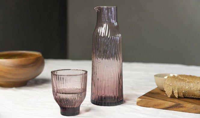 glas met bijpassend karaf rosy