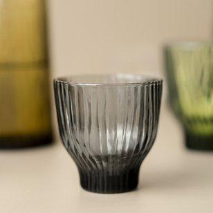 drinkglas mondgeblazen glas grijs