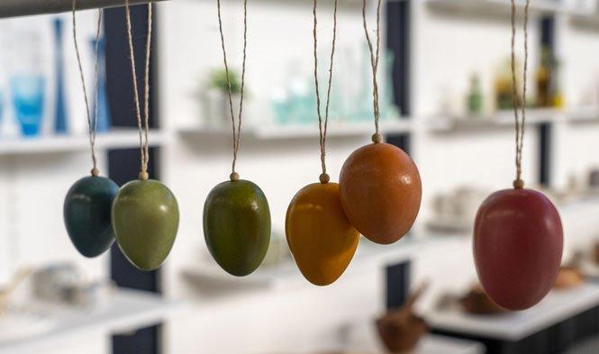 eggs decoration wood colors